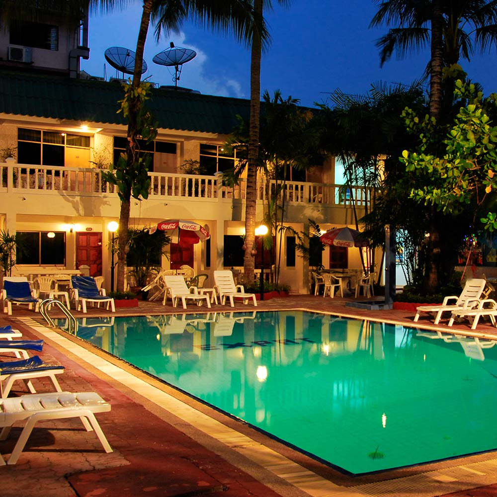 Expat Hotel Patong Swimming Pool at Night